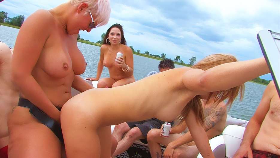 speedboat-sex-party-2